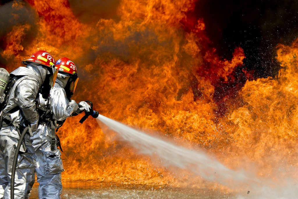 Bơm hút chân không Edwards , rủi ro cháy nổ