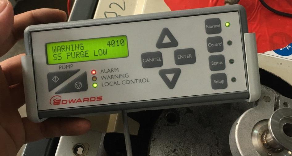 Bơm hút chân không sửa chữa chạy thử trước khi bàn giao cho khách